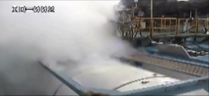 2012년 경북 구미의 한 화학공장에서 벌어진 불산누출 사고 영상의 한 장면. - 유튜브 제공